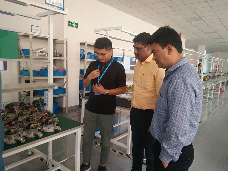 印度客户来艾伊考察生产线